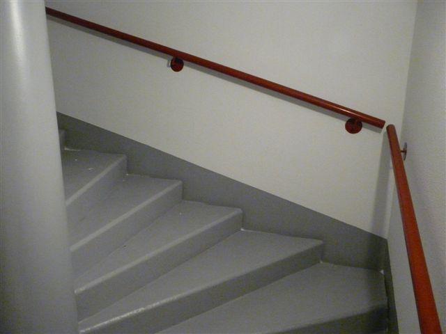 Peinture sol escalier peinture antirouille for Peinture sol escalier